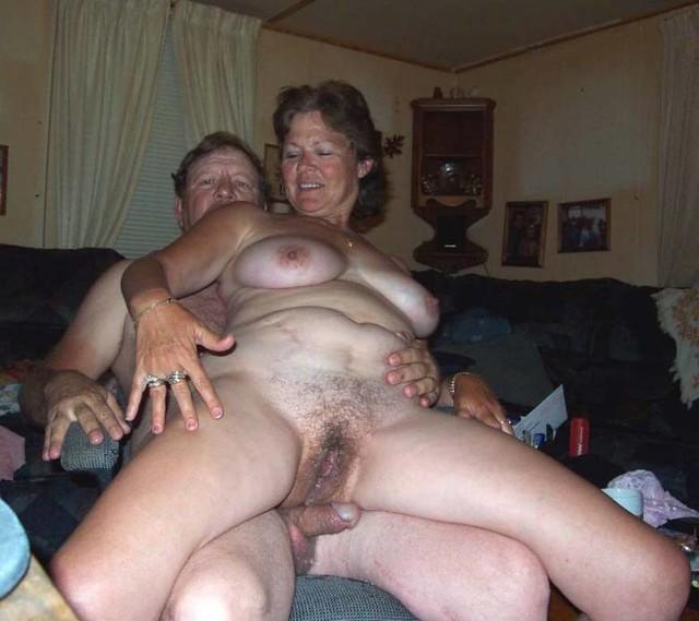 Видео В Спальне Пожилой Супружеской Пары