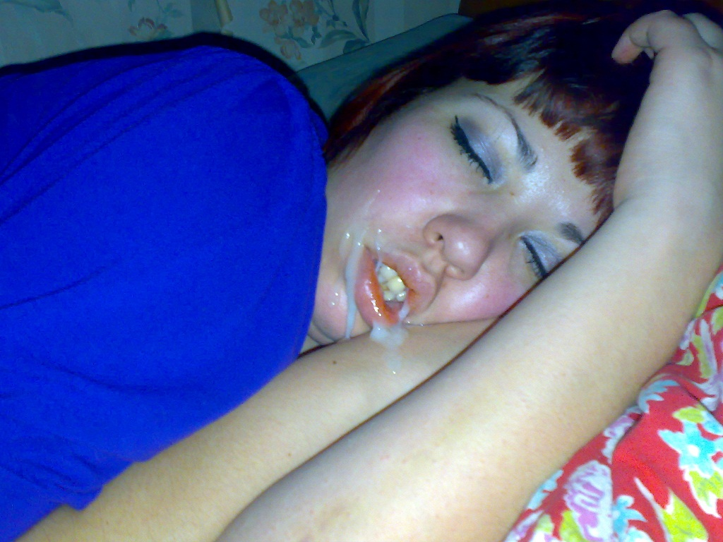 Кончаю На Лицо Спящей